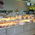 ポンパドール - パンとシフォンケーキの棚