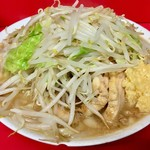 ラーメン二郎 - 料理写真:小ブタニンニク 880円