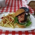 トップドッグ - ベーコン入りハンバーガー-前姿
