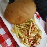 トップドッグ - ベーコン入りハンバーガー-後ろ姿