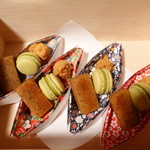 蘇山荘 - パティシエ特製 小さなデセール5種盛り合せ