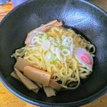 天下一 - 料理写真:カレー油そば!見た目はシンプル具材でつけ麺の麺だけのようだが?