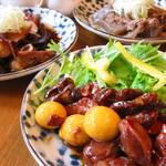 中野B級酒場 - 甲府鶏もつ、東京もつ煮、神戸ぼっかけ勢揃い!!