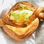 夢パン工房 - 洋梨のデニッシュ。パリパリさくさく、もっちり。