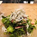 120202290 - 春菊とジャコのサラダ