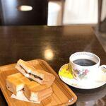 とむ - 料理写真:ビターブレンド(マイルド)とぷちあんバター。