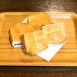 とむ - ぷちあんバター。美味しすぎ!!