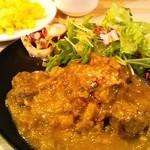 マリブ食堂 - 仔羊のもも肉と芽キャベツ・アスパラガスの煮込み