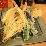 起世 - 天ぷら盛