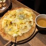 120212288 - チーズピザ♪