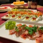 スーパー ナニワヤ - 奥様お手製の前菜たち