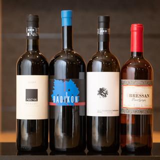 イタリア自然派ワインや厳選した日本酒などをご用意しております