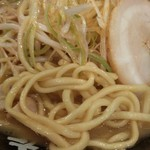 横浜家系 ラーメン 町田商店 - ネギラーメンの拡大画像です、うーまーいーぞー!