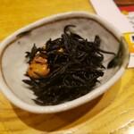鉄なべ餃子 みくに - ひじき(お通し)