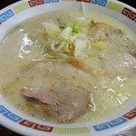 一輝亭 - 香味油のきいた、食欲そそるラーメン500円!