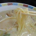 一輝亭 - 長浜風の細麺