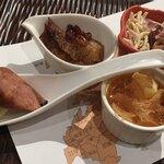 120220109 - 前菜:腸詰、自家製チャーシュー、押し豆腐、白クラゲ和え物