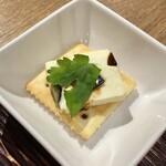 120220125 - 前菜:ピータンとクリームチーズ