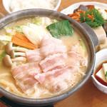満天食堂 - 料理写真:季節限定!豆乳鍋