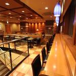 新橋珈琲店 - カウンター席はコンセントもご利用いただけます。