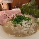 麺屋 まほろ芭 - 料理写真:泥煮干中華そば(バカニボ)