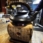 日向 - 熱燗用の土瓶を炭火で