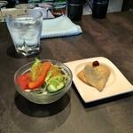 ichimarurokusausuindhian - 休日ランチセットのサラダとサモサ