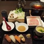 ゆず庵 - お寿司とうどんすき鍋(税込)1,078円 (2019.11.22)