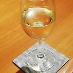 炭火焼きステーキ灰屋 - 白ワイン 750円別