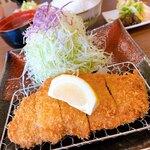 とんかつ咲々 - 料理写真:岩中豚ロースかつ定食