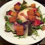 ブラッスリーヴァンダンジュ - 最初の一皿 リヨネーズ サラダ