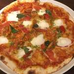 Italian Kitchen BUONO - よじゅえもんのモッツァレラを使ったマルゲリータ、感動の美味しさ