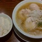 RAMEN 風見鶏 - 鶏白湯魚介塩(味玉)、ライス