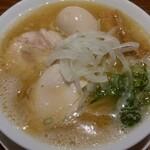 RAMEN 風見鶏 - 鶏白湯魚介塩(味玉)