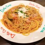デラ カーサ - 茄子とベーコンのトマトソース
