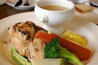 ラ・ムジカ - ヒナ鳥(1/2羽!)とタップリ野菜のポトフ