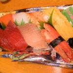 焼津さかなセンター 山水 - お寿司詰合せ900円→800円