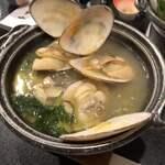 120303250 - 白貝の鍋!出汁が美味すぎ!雑炊にしたかった