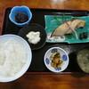 朝日みどりの里食堂 - 料理写真:塩引き鮭定食1050円