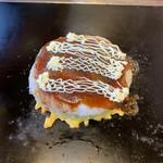 お好み焼 平野屋 - マヨネーズピュー!!マヨネーズは自家製のものと、キューピーのと2種類置いてありました