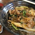 八島丹山 - 料理写真:ホルモン丼