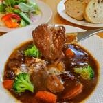 イタリア家庭料理 三春 ラ・ベリータ - ビーフシチュー