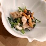 昇六 - むかご、大徳寺麩、ハリイカのげそ、菊菜の胡麻和え