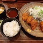 洋食Iwanaga  - 金曜の日替わりランチは一口ヘレカツと蟹クリームコロッケ、味噌汁やご飯、自家製漬物付き780円