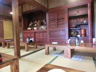 屋宜家 - 古民家でいい雰囲気です。