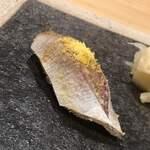 120334119 - 春子鯛の黄味酢朧漬け。詞と酢が良い塩梅。朧には刻んだ黄柚子を含みます
