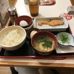120335247 - 鮭朝食¥390に納豆