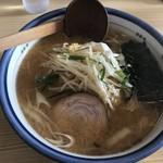 突撃ラーメン - 料理写真:味噌ラーメン(800円)