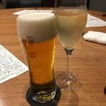 Yorgo - ビールとスパークリングで乾杯