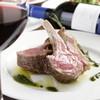 アデッソ - 料理写真:仔羊のロースト★ニュージーランド産仔羊の骨付きロース肉をジューシーに焼き上げました。